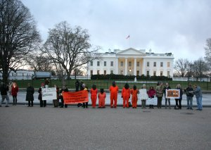 Witnessing at the White House in solidarity with hunger strikers